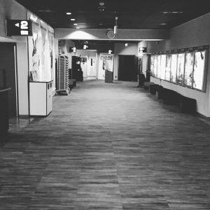 ひとり飲みin映画館
