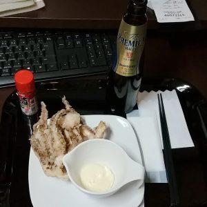 快活クラブのゲソ揚げとビール