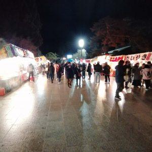 多くの露店が並ぶ盛岡八幡宮