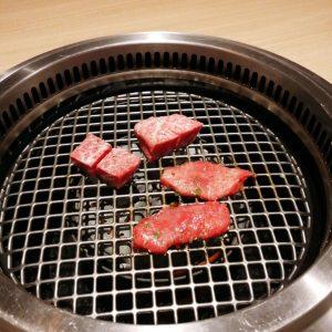 ステーキを焼く