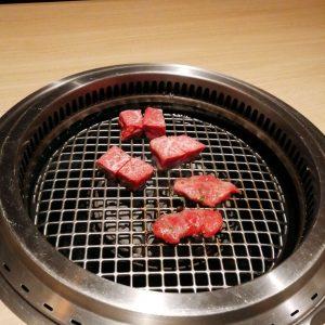 ステーキ全部のせ